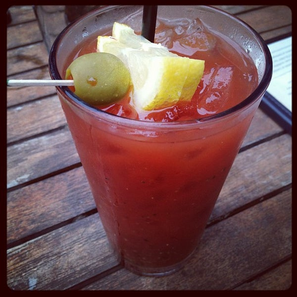 รูปภาพถ่ายที่ Lottie's Pub โดย Misstrevor เมื่อ 6/25/2012
