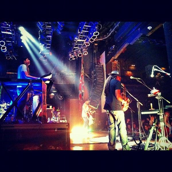3/31/2012 tarihinde Dj Mere 1.ziyaretçi tarafından House of Blues'de çekilen fotoğraf