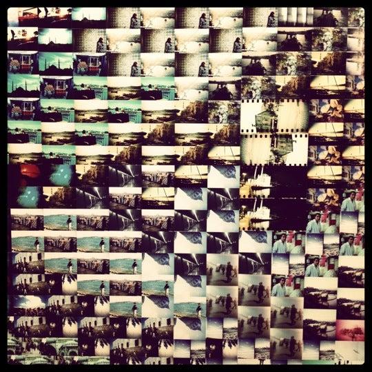Photo prise au Lomography Embassy Store Istanbul par Melinda V. le3/29/2012