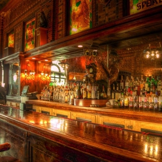 Снимок сделан в The Owl Bar пользователем Steven M. 7/20/2012