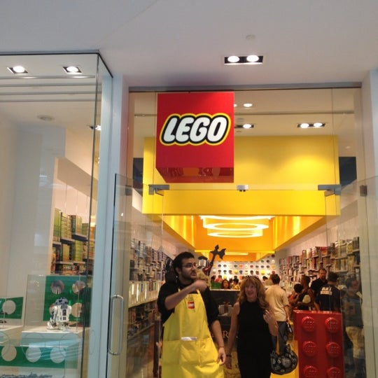 The LEGO Store - 5 tips from 1683 visitors