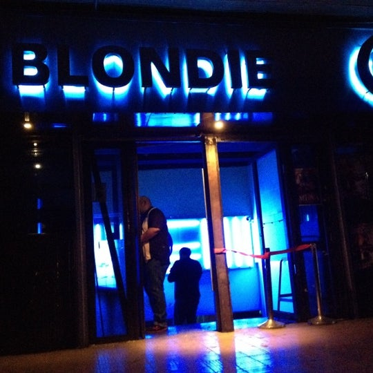 รูปภาพถ่ายที่ BLONDIE โดย Jose manuel R. เมื่อ 4/13/2012
