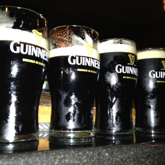 Foto tirada no(a) Tigin Irish Pub por Tatiana A. em 4/14/2012
