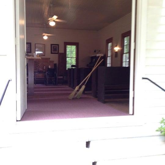 Foto tirada no(a) Liberty Universalist Church por Brandi C. em 4/21/2012