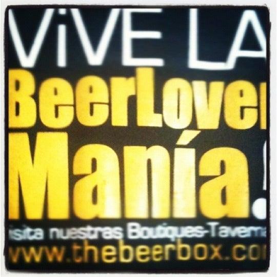 Foto tirada no(a) The Beer Box por Mauricio R. em 4/28/2012