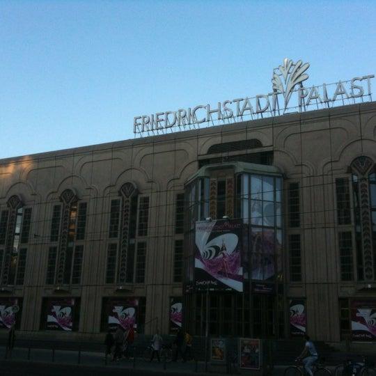 Das Foto wurde bei Friedrichstadt-Palast von Andreas H. am 8/14/2012 aufgenommen