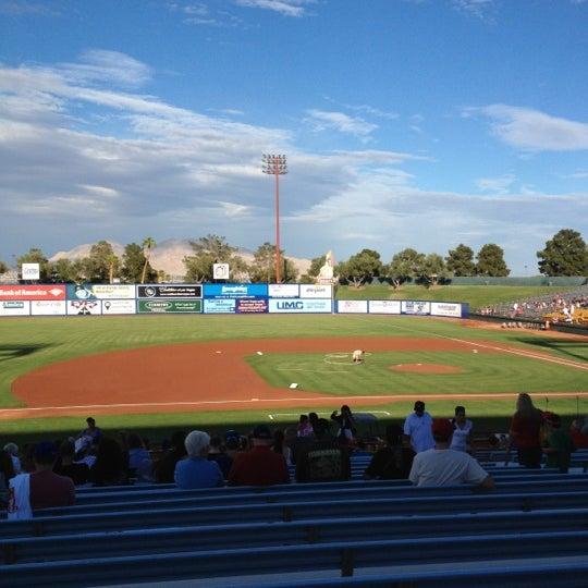 Photo prise au Cashman Field par Devin H. le7/5/2012