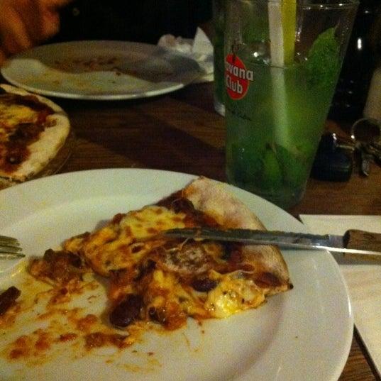 7/3/2012 tarihinde Murat C.ziyaretçi tarafından Mica Restaurant & Bar'de çekilen fotoğraf