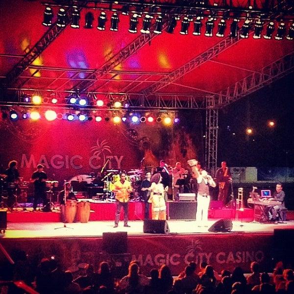 Foto tomada en Magic City Casino por Mamey D. el 5/20/2012