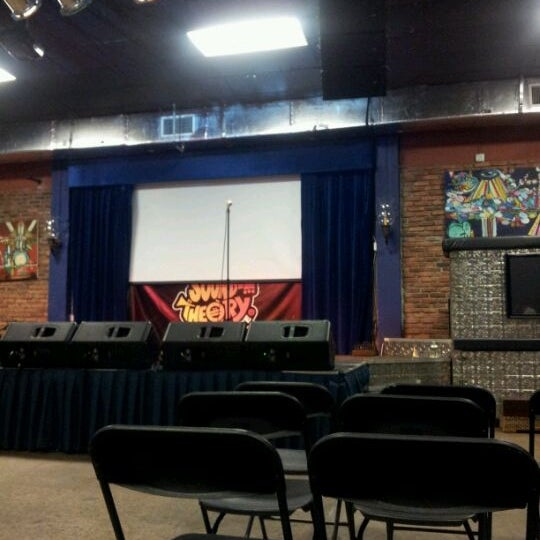 รูปภาพถ่ายที่ The Stage โดย JLPR เมื่อ 5/29/2012