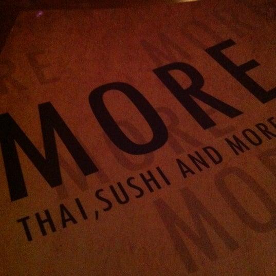 Foto scattata a More Thai da Will S. il 9/2/2012