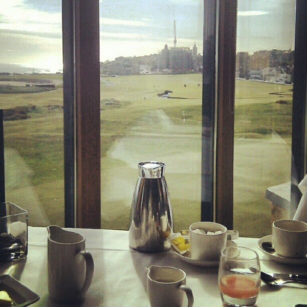 Foto tirada no(a) Old Course Hotel Golf Resort & Spa por Andrew G. em 5/16/2012