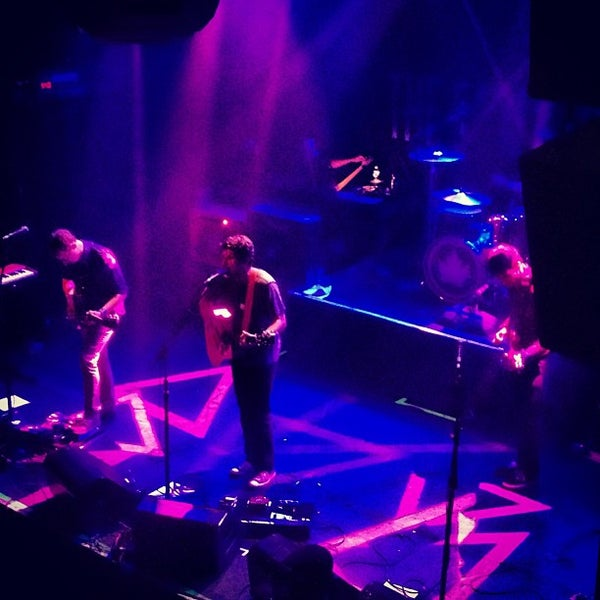 Photo prise au Irving Plaza par Marty N. le5/24/2012