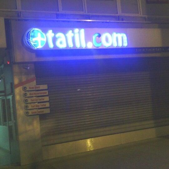 รูปภาพถ่ายที่ Tatil.com โดย Gürcan A. เมื่อ 8/18/2012