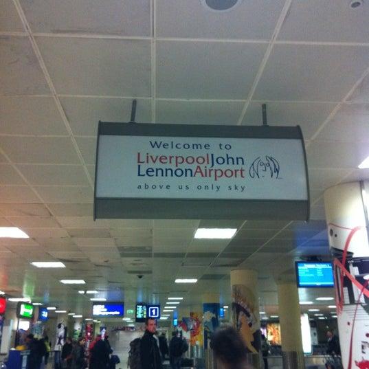 รูปภาพถ่ายที่ Liverpool John Lennon Airport (LPL) โดย Juan M. เมื่อ 2/25/2012