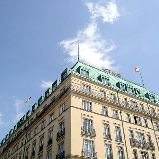 6/30/2012에 Brian W.님이 Hotel Adlon Kempinski Berlin에서 찍은 사진