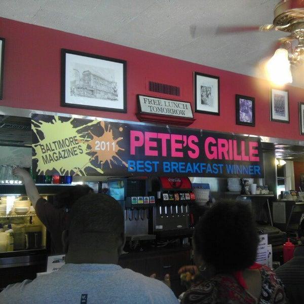 Foto tirada no(a) Pete's Grille por Jeremy K. em 4/29/2012