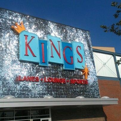 Снимок сделан в Kings Dining & Entertainment пользователем Edward A. 7/30/2012