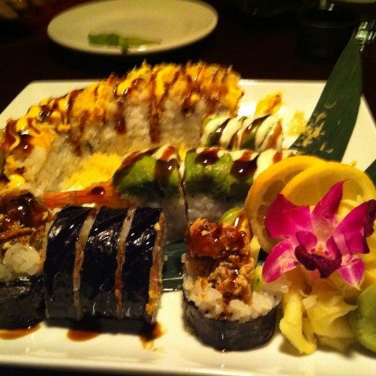 Das Foto wurde bei Mura Japanese Restaurant von Kelli S. am 4/23/2012 aufgenommen