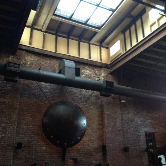 Снимок сделан в MyMoon Restaurant пользователем Chad G. 5/13/2012