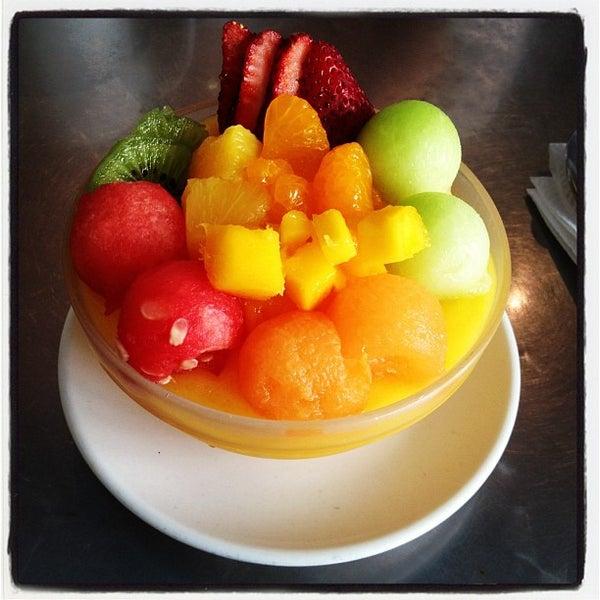 Foto tirada no(a) Dessert Republic por Channing W. em 5/27/2012
