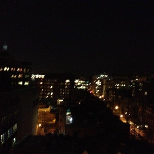 5/17/2012에 R H.님이 Beacon Sky Bar에서 찍은 사진