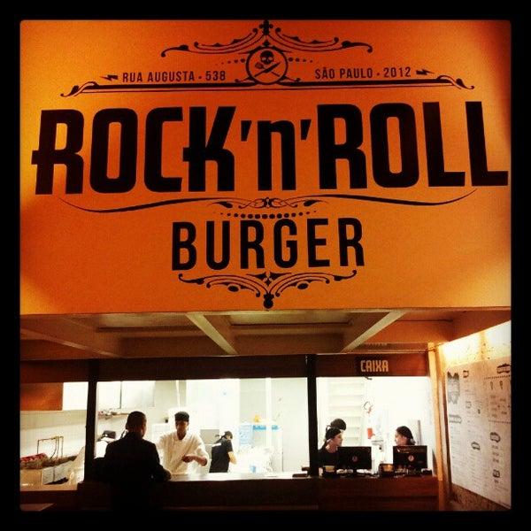 4/20/2012 tarihinde Leandro B.ziyaretçi tarafından Rock 'n' Roll Burger'de çekilen fotoğraf