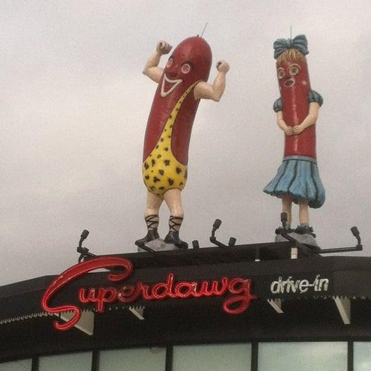 Снимок сделан в Superdawg Drive-In пользователем Frank M. 2/21/2012