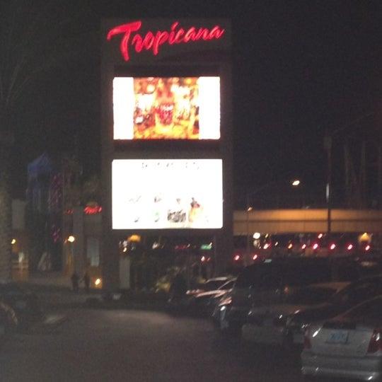 Снимок сделан в Tropicana Las Vegas пользователем Adam V. 5/27/2012