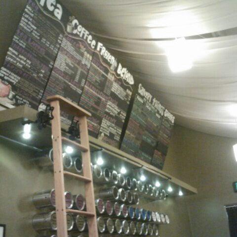 Foto tirada no(a) specialTEA Lounge & Cafe por Yereisa em 7/10/2012
