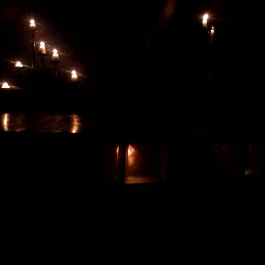 Das Foto wurde bei TOM'S Leather Bar von Antuan A. am 6/16/2012 aufgenommen