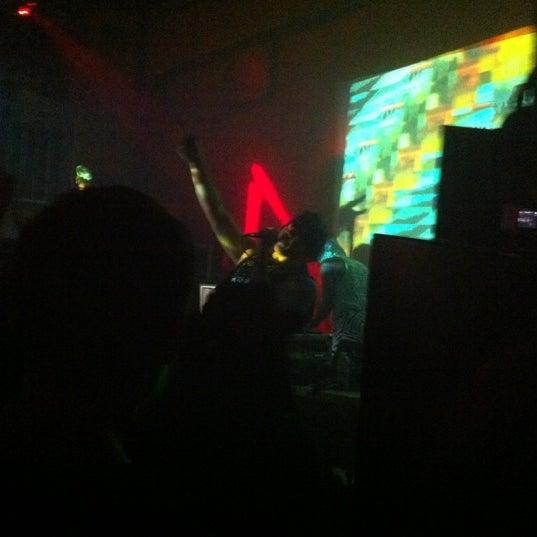 รูปภาพถ่ายที่ Das Bunker โดย Shanté S. เมื่อ 4/28/2012