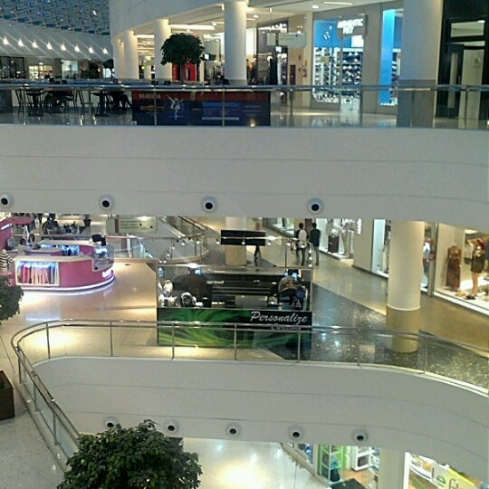Foto tirada no(a) Shopping Palladium por Ivan C. em 8/27/2012