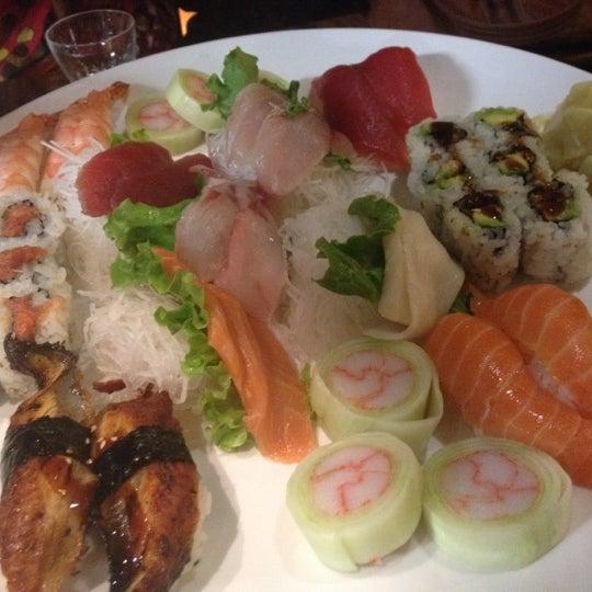 Das Foto wurde bei Natsumi von Ken C. am 5/10/2012 aufgenommen