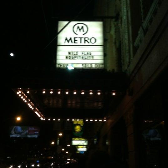 Foto diambil di Metro oleh Greg M. pada 4/6/2012