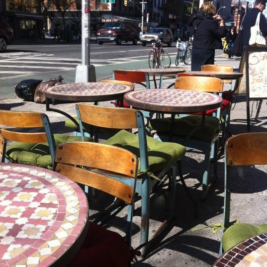 Photo prise au Nomad Restaurant par Shanna G. le4/7/2012
