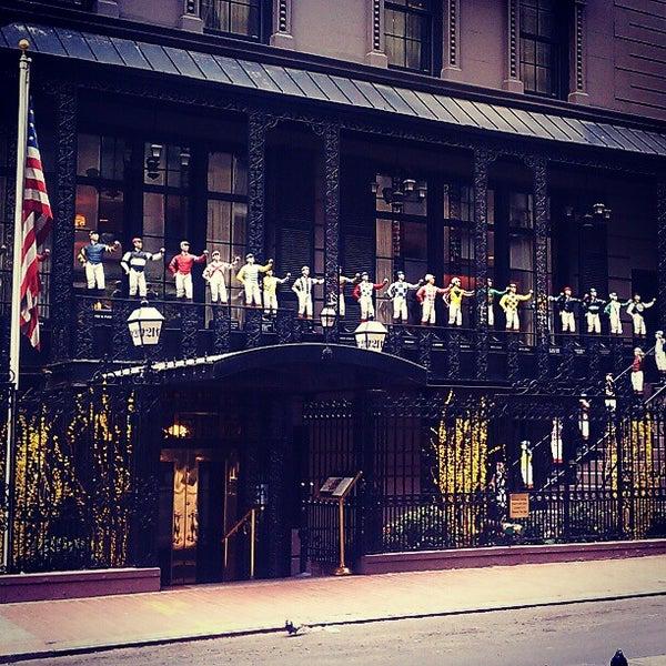 4/10/2012 tarihinde Craig T.ziyaretçi tarafından 21 Club'de çekilen fotoğraf