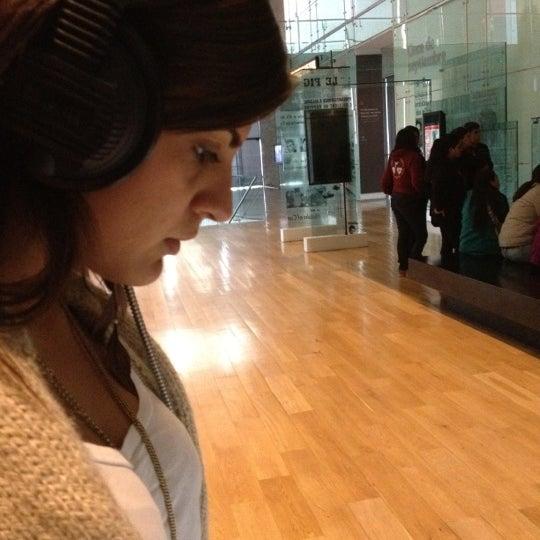 Foto diambil di Museo de la Memoria y los Derechos Humanos oleh Nico F. pada 7/13/2012