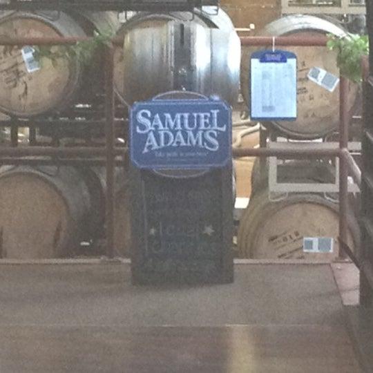 Photo prise au Samuel Adams Brewery par Michael Y. le4/28/2012
