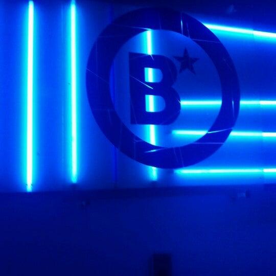 รูปภาพถ่ายที่ BLONDIE โดย Arturo V. เมื่อ 6/10/2012