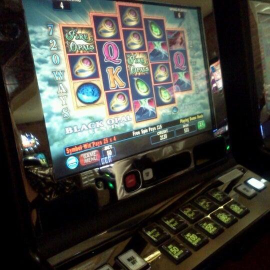Foto scattata a Greektown Casino-Hotel da Carla G. il 8/26/2012