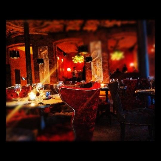 4/30/2012에 Gulnaz B.님이 Манон에서 찍은 사진