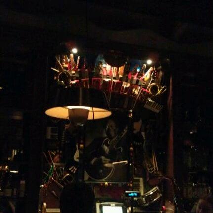 Снимок сделан в Lucille's Grill пользователем Greg G. 4/28/2012
