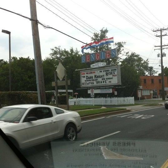 Снимок сделан в Bengies Drive-in Theatre пользователем M F. 7/24/2012