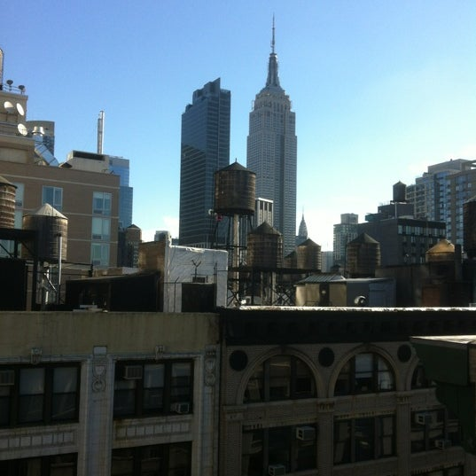 9/9/2012 tarihinde Kemalziyaretçi tarafından Hilton New York Fashion District'de çekilen fotoğraf