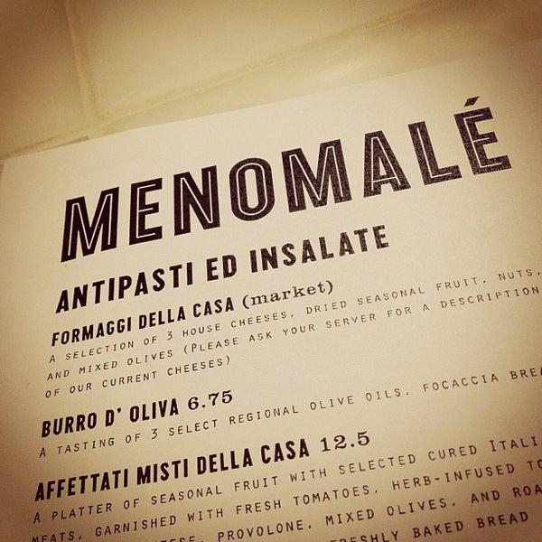 Foto scattata a Menomalé Pizza Napoletana da Dottie L. il 6/2/2012