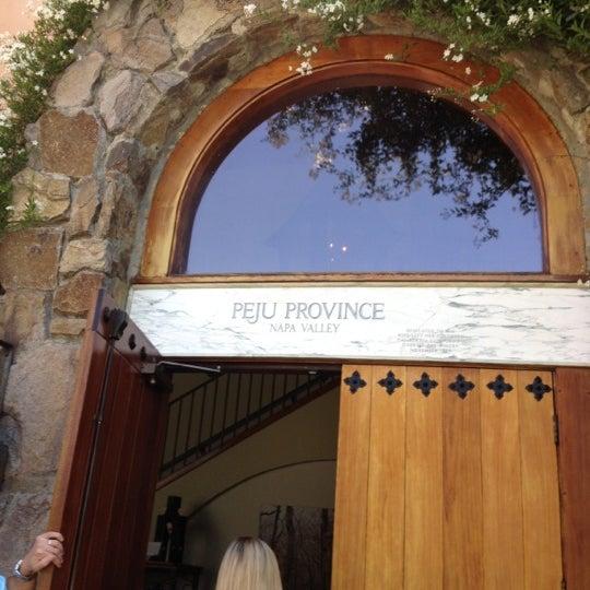Foto scattata a Peju Province Winery da Brandy S. il 5/10/2012