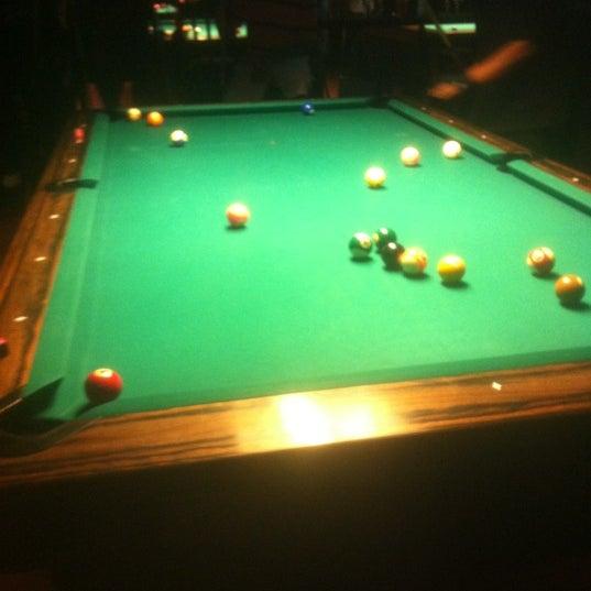 Foto tomada en Society Billiards + Bar por Janiejaner G. el 7/27/2012