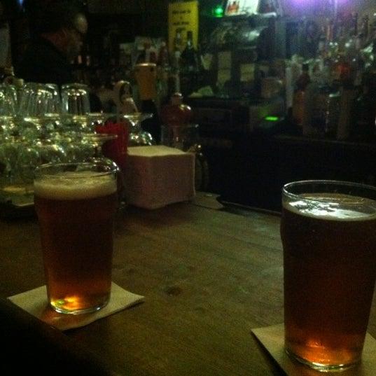 Снимок сделан в Ear Inn пользователем Toby P. 6/10/2012
