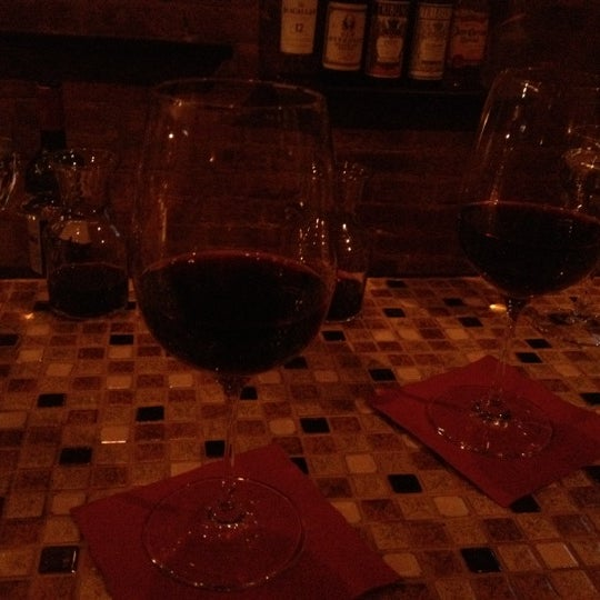 Foto scattata a Uncorked da Cynthia D. il 3/17/2012